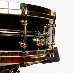 Top-notch hardware on one of our snares